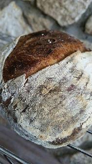 לחם מחמצת - אסף האופה - לחמי בוטיק
