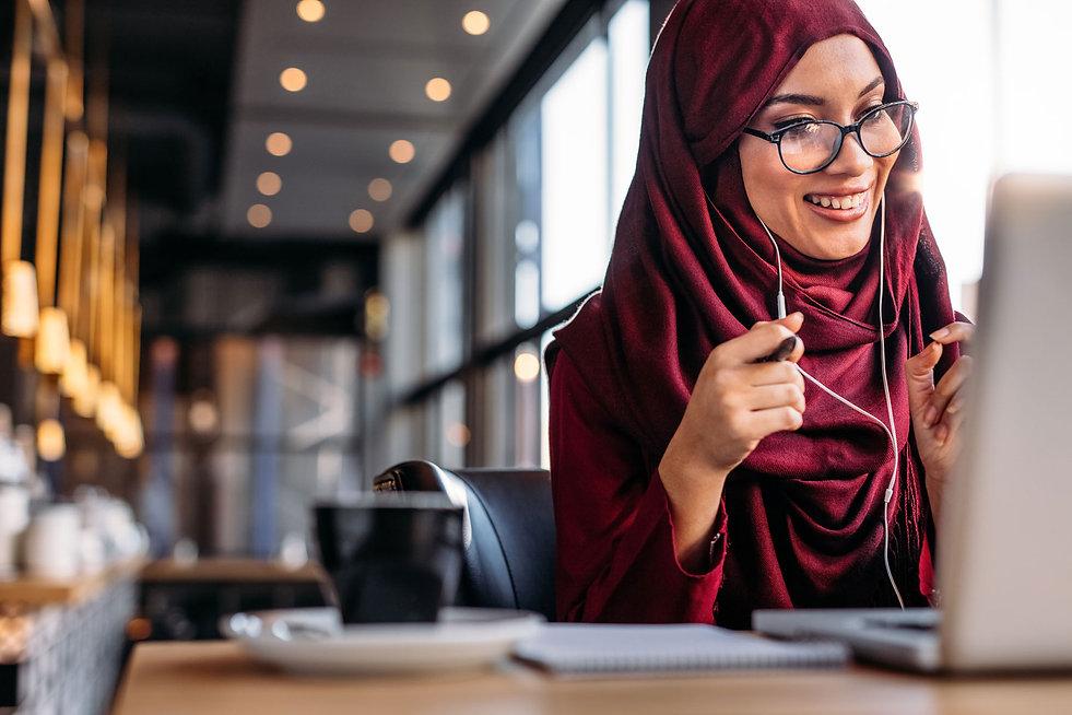 Web-Res_Muslim-Woman-Online-Learning.jpg