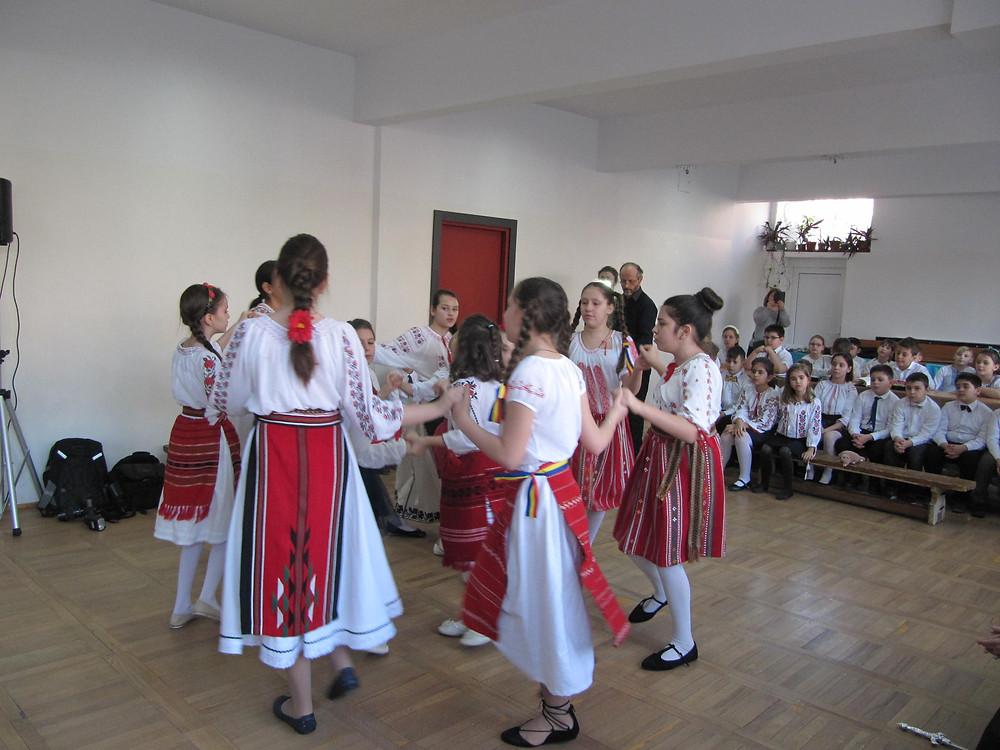 Hora - Romanian dance
