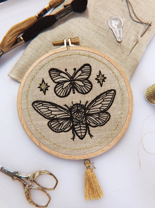 ✶ Embroidery Frame Insects ✶