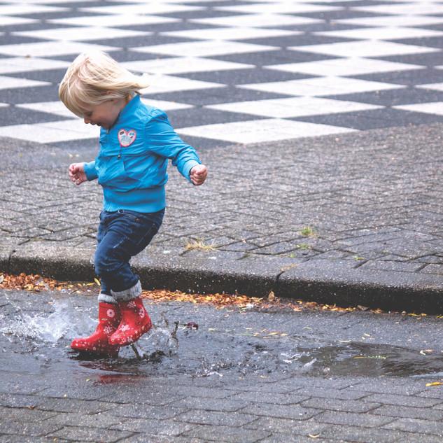 child-fun-jump-69896.jpg