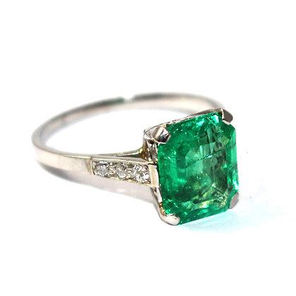 Art Deco Emerald Single Stone Ring with Diamond Set Shoulders c.1930