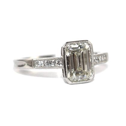 Art Deco emerald-cut Diamond Ring