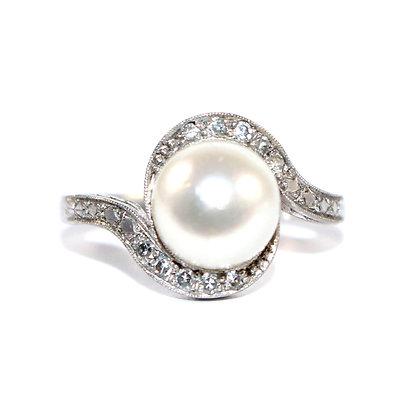 Art Deco Pearl & Diamond Ring
