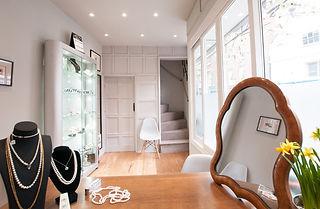 Downstairs_Desk_Pearls_Soft-min.jpg