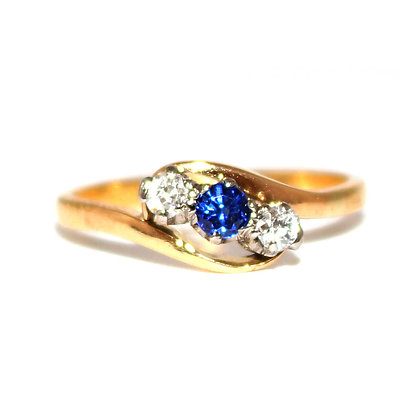 Edwardian Sapphire and Diamond 3 Stone Twist Ring c.1915