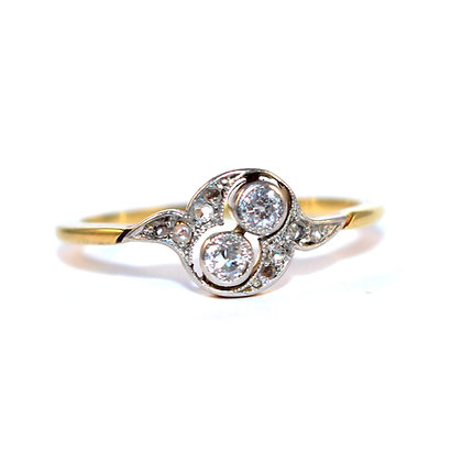 Small Edwardian Diamond Swirl Ring c.1910