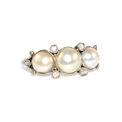 Art Deco Pearl & Diamond Ring