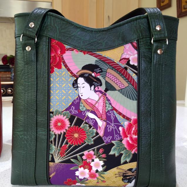 Green Tote, Geisha