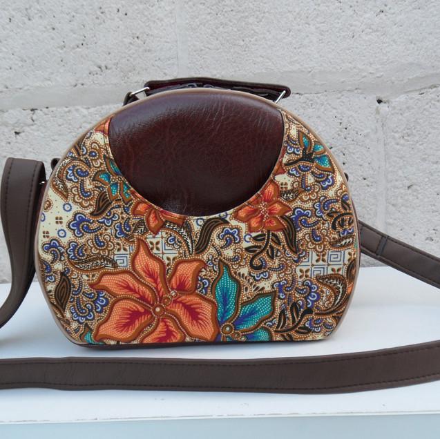 Olive Vintage Look Bag
