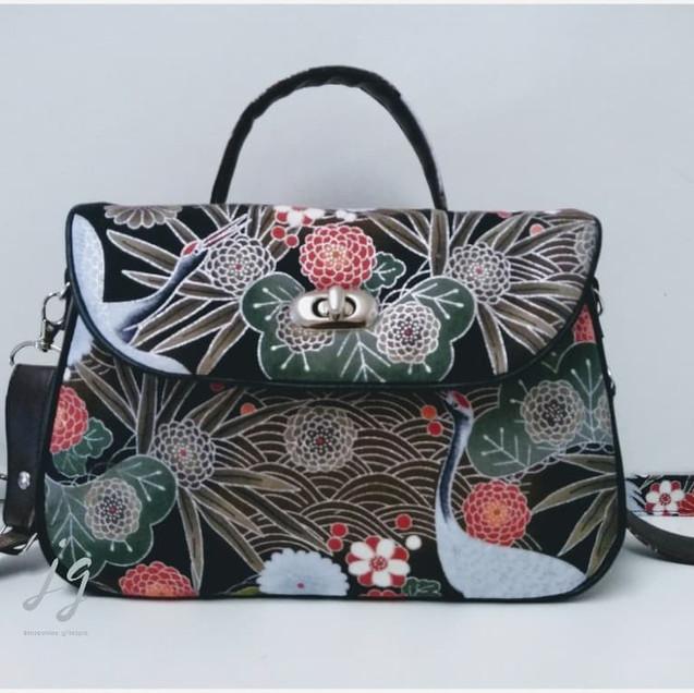 Dark brown grab bag Japanese Kimono prin