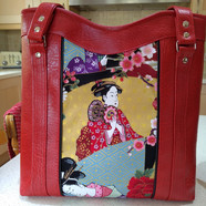 Red Tote, Geisha