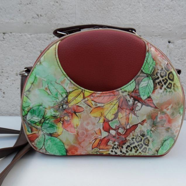Olive Vintage look bag, autumn