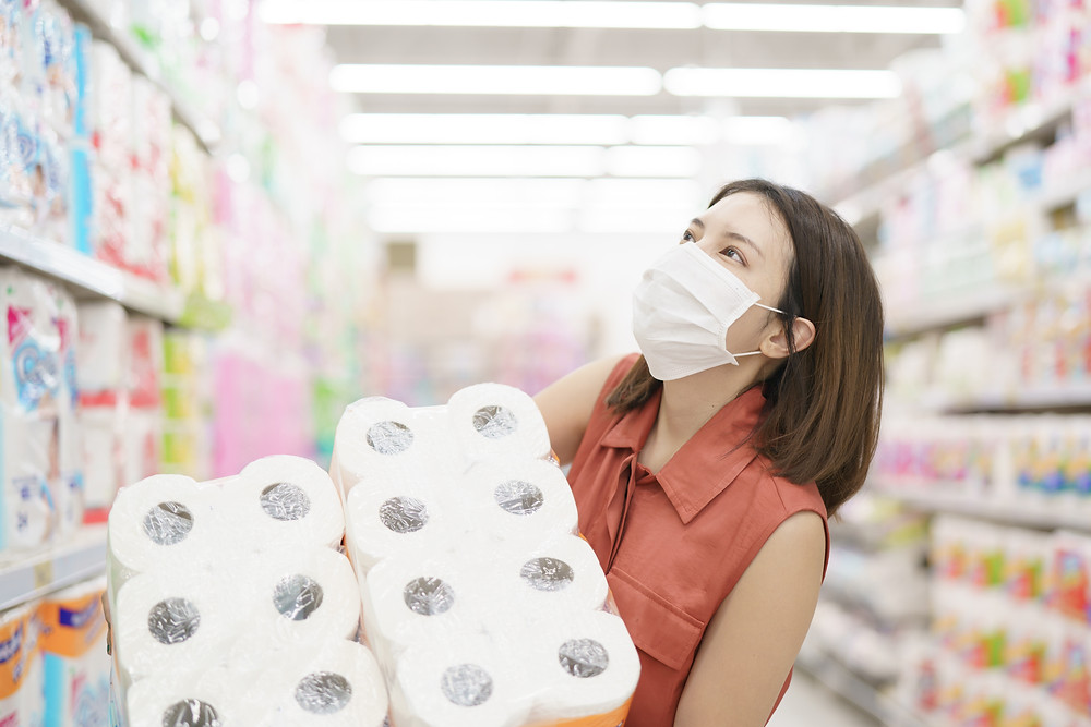 Mom shopping toilet paper. Represents stress & anxiety during isolation needing teen therapy for anxiety katy, tx 77493.