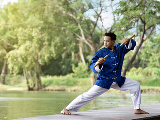 """A """"Bruce Lee"""" Approach to Using Aromatherapy, Herbs, Carriers, Technology, and More to Sup"""