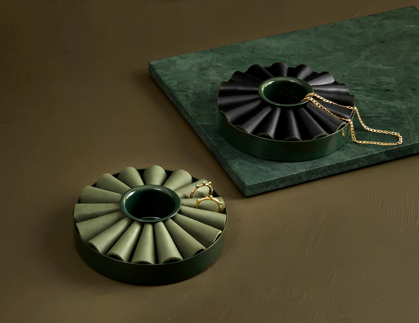 Uniqka_Bellis Green & Bellis Black.jpg