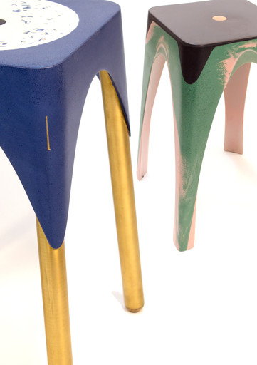 detail-brass-legs-and-color-mixjpg