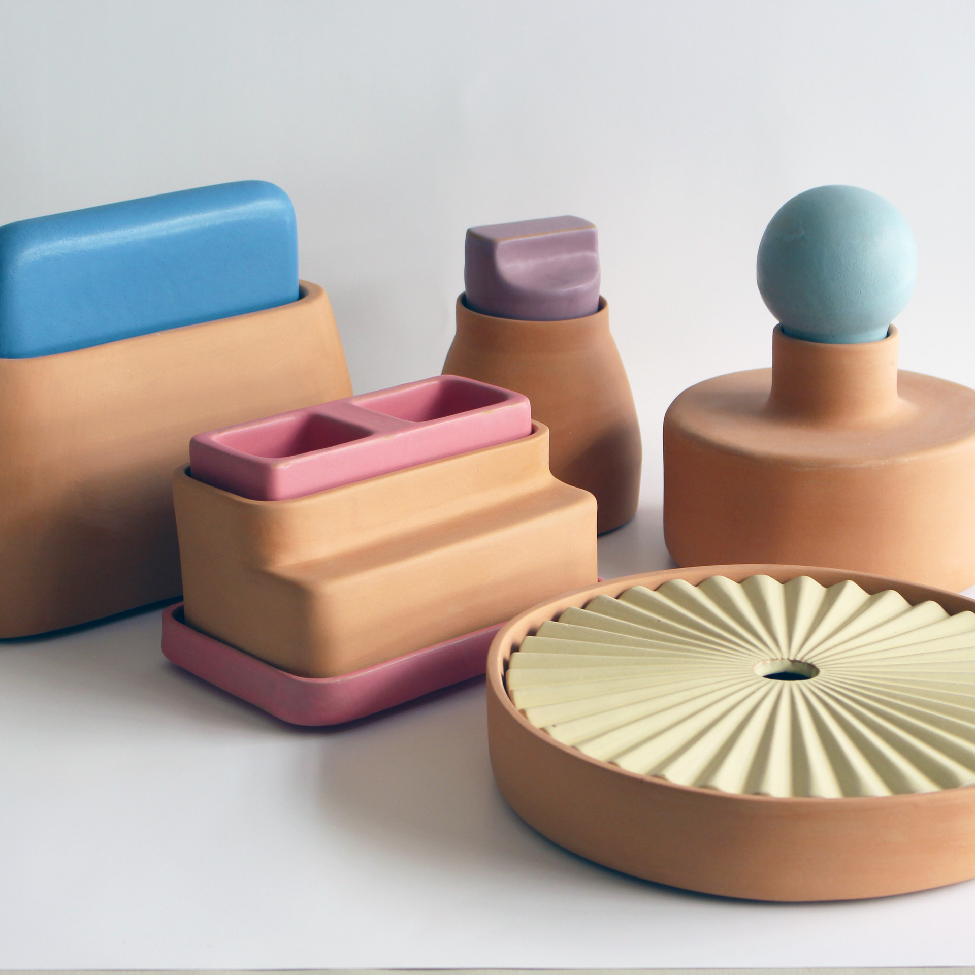 Lids with Vessels