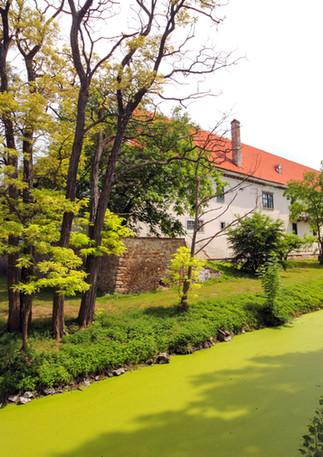 SchlossGuntersdorf_Schlossgraben_©_Josep