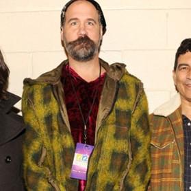 """Nirvana: """"recentemente gravamos algumas coisas, somente como amigos"""""""