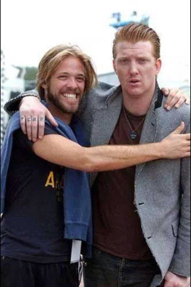 Foo Fighters, Queens of The Stone Age