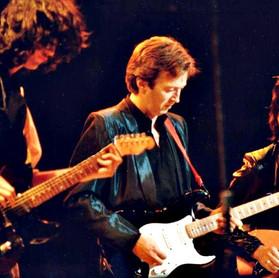 "The Yardbirds: quando Eric Clapton, Jeff Beck e Jimmy Page apresentaram a música ""Layla"" em 1983"