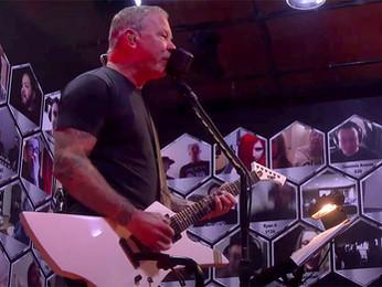 "Metallica: recente performance das músicas ""Disposable Heroes"" e ""Blackened"""