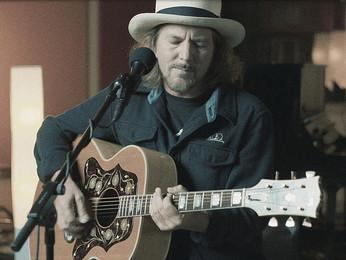 """Eddie Vedder: lançando 02 novas músicas solo, """"Matter of Time"""" e """"Say Hi"""""""