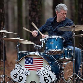 """Barrett Martin: """"produzo discos para indígenas e não ganho royalties"""", disse o baterista grunge"""