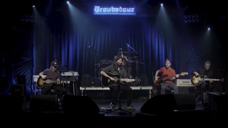 Foo Fighters: vídeo com apresentação completa no clube Troubador