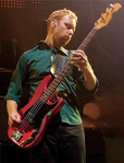 "Nate Mendel: ""a música que me fez querer entrar no Foo Fighters foi 'Exhausted'"""