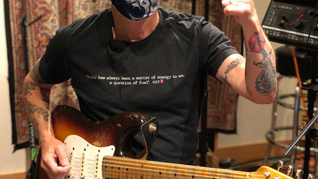 """Mike McCready: """"estamos num limbo devido a pandemia"""", diz guitarrista do Pearl Jam"""