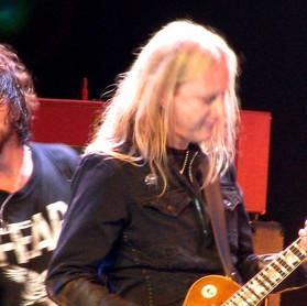 "Jerry Cantrell: guitarrista do Alice in Chains revela música preferida do disco ""Ten"" do Pearl Jam"