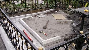 Работы по благиустройству могил укладка плитки