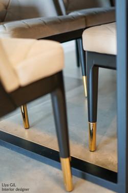 רגליים ברזל שולחן פינת אוכל