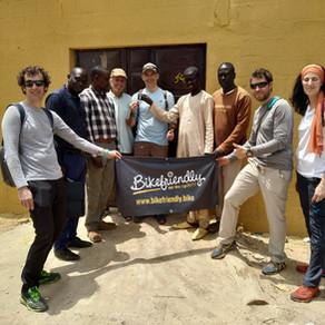 Viaje con alma al pueblo senegalés de la bicicletas