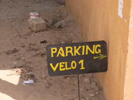 Los parkings amarillos y un recuerdo para los aprendices de soldador