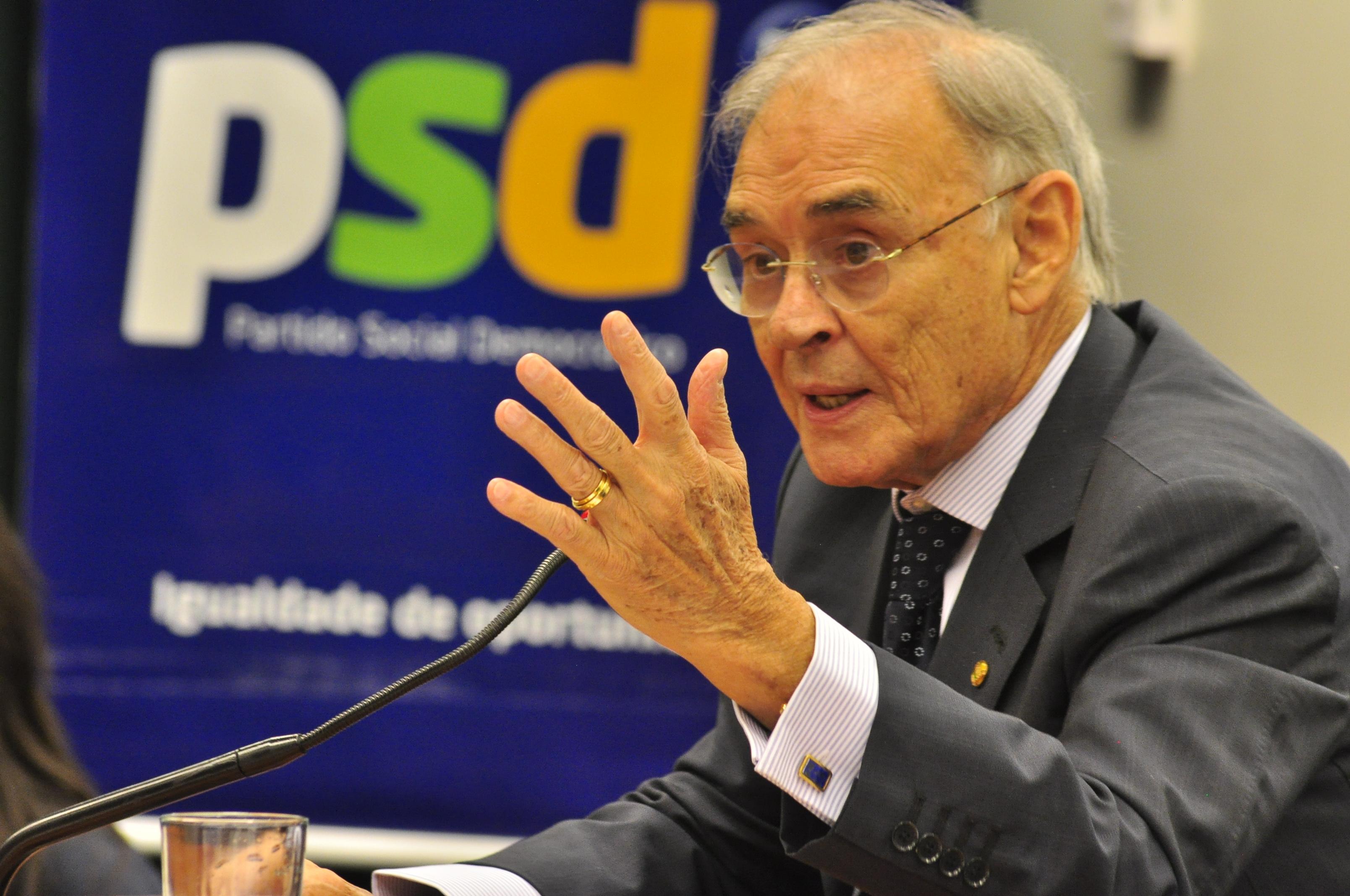 Senador Arolde de Oliveira assume Comissão Provisória do PSD-RJ