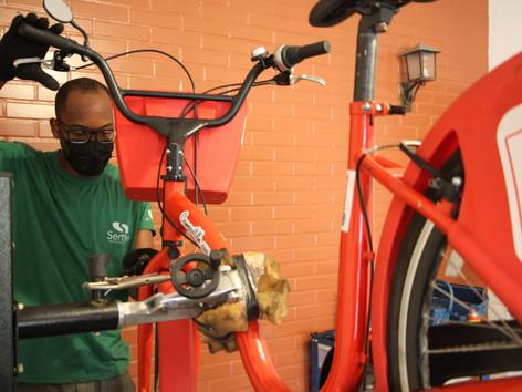 Bikes vermelhinhas de Maricá são alvo de vandalismo