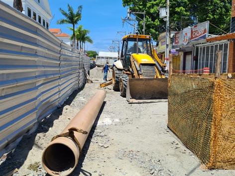 Cedae faz obra de manutenção no Centro de Maricá com apoio da Sanemar