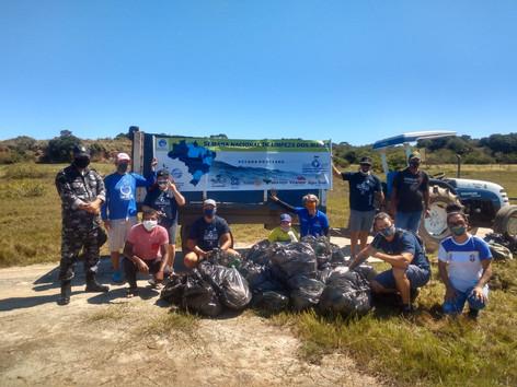 """""""Mar sem lixo"""": Mais de 400 KG de lixo são coletados na Praia da Salina em São Pedro da Aldeia"""