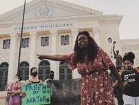 Benny Briolly: Alvo de ameaças vereadora trans de Niterói deixa o país