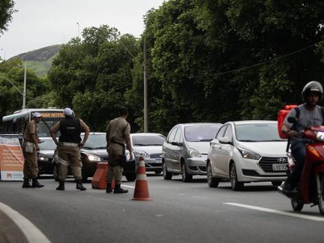 Niterói monta barreiras sanitárias no limite com São Gonçalo e na ponte Rio-Niterói