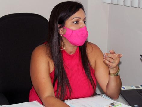 Vereadora quer prioridade para profissionais da educação e segurança na vacinação contra a Covid-19