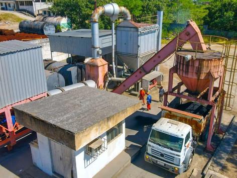 Usina de asfalto de Itaboraí volta a operar após 8 anos de paralisação