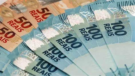 Servidores públicos do Estado do Rio recebem metade do 13º salário no próximo dia 30