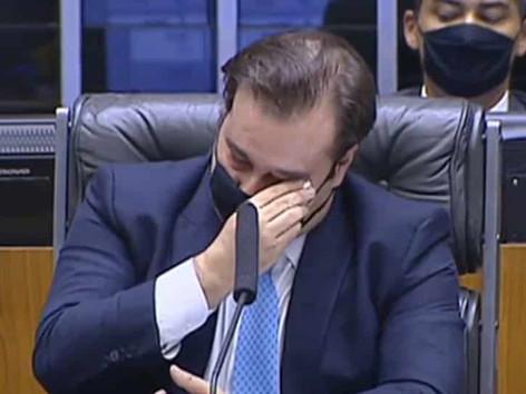 Rodrigo Maia reclama de traição e confirma que vai sair do DEM