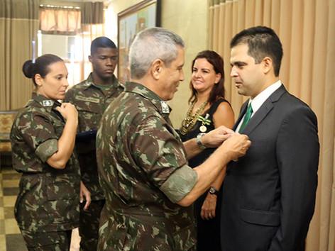 Conselheiro Rodrigo Melo do Nascimento é agraciado com a medalha Exército Brasileiro