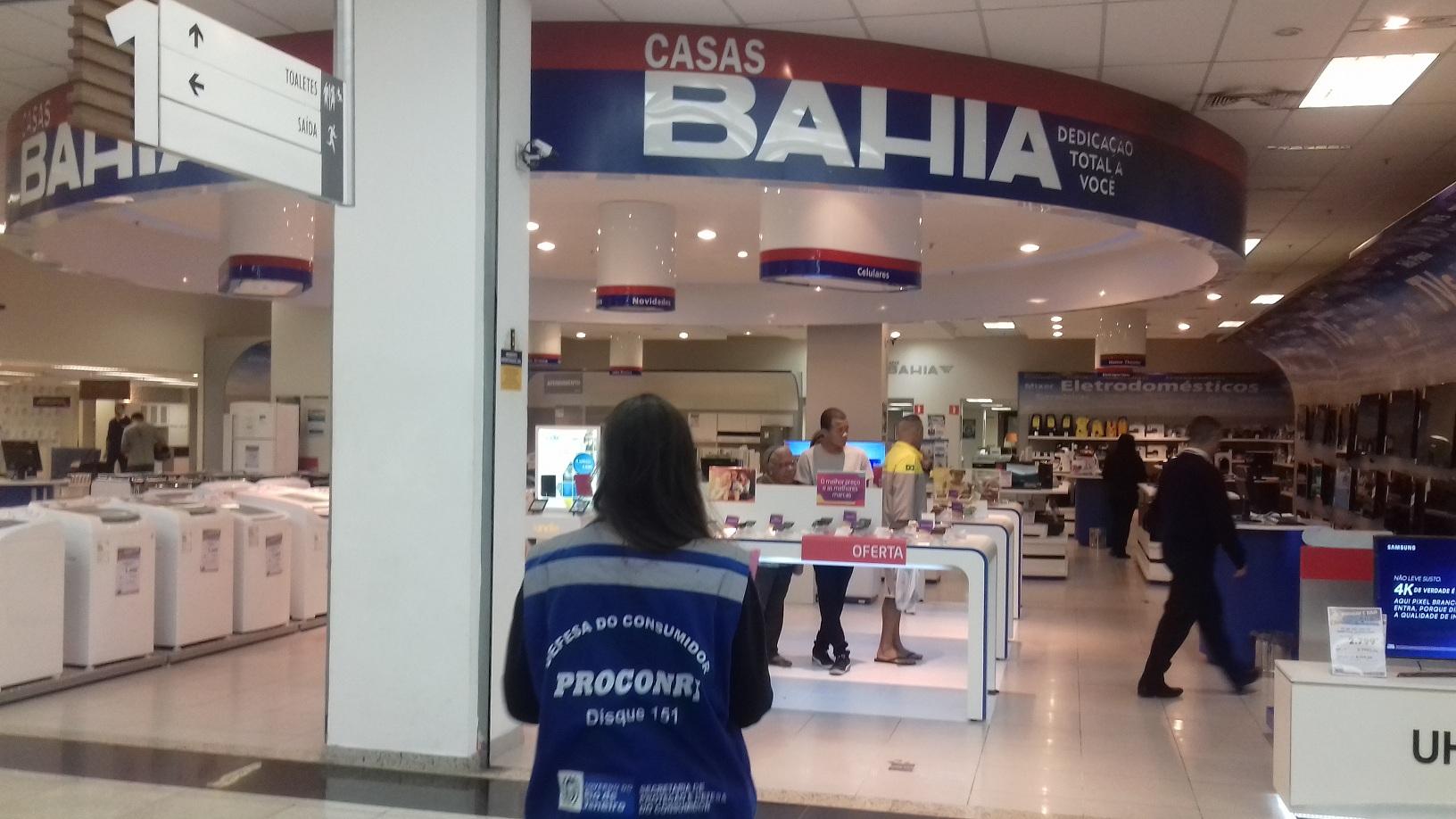 165c0e64dcf Procon Estadual autua 23 lojas no Shopping Via Brasil