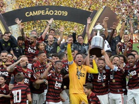 Vergonha: Justiça atende incompetentes da CBF e Palmeiras e barra torcida do Flamengo